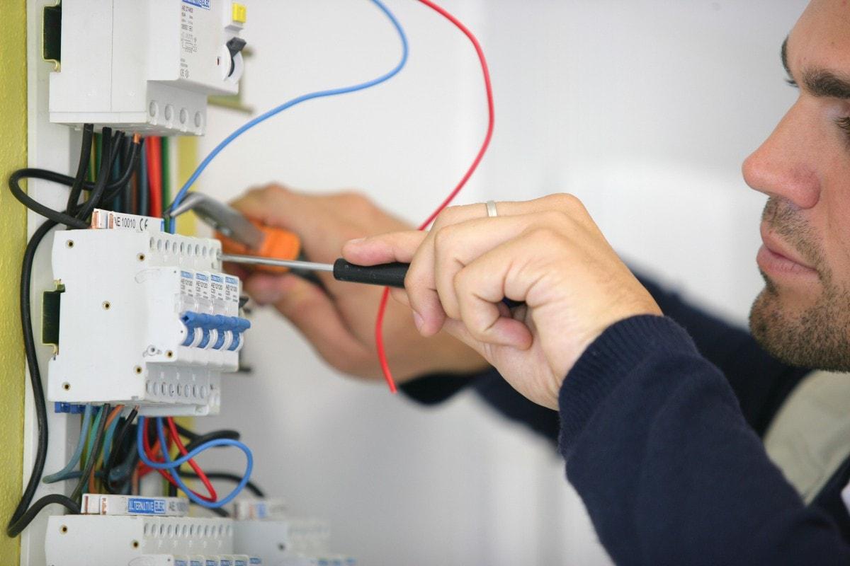 intslatii-electrice